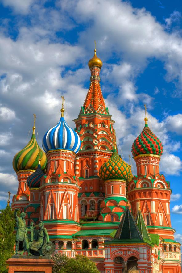 the-colorful-cathedral-st-basils-moscow-russia